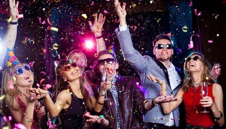 7 Trending Game Ideas for New Year's Eve Party